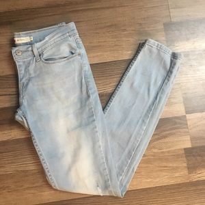 Levi's light wash size 5 skinny jeans